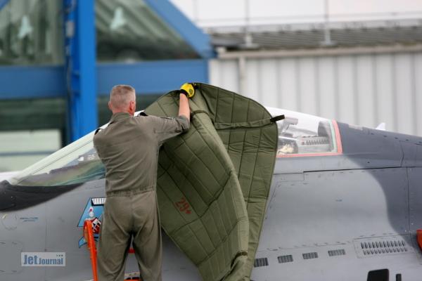 MiG-29, 4101 wird abgedeckt