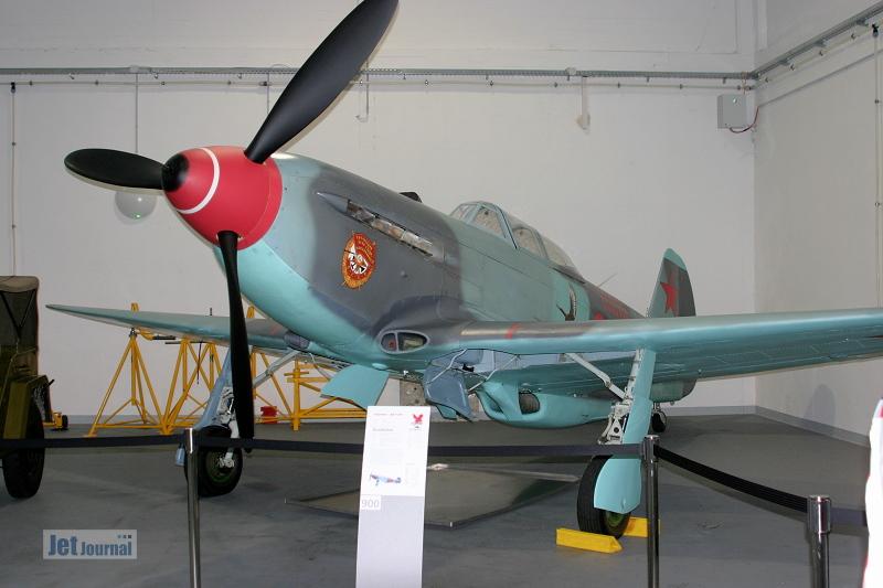 Hangar10 4