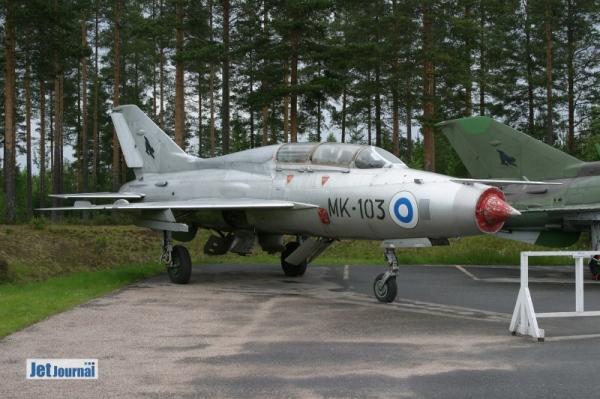 ...drei MiG-21 (MK-103 MiG-21U, MK-126 MiG-21UM & MG-138 MiG-21bis)...
